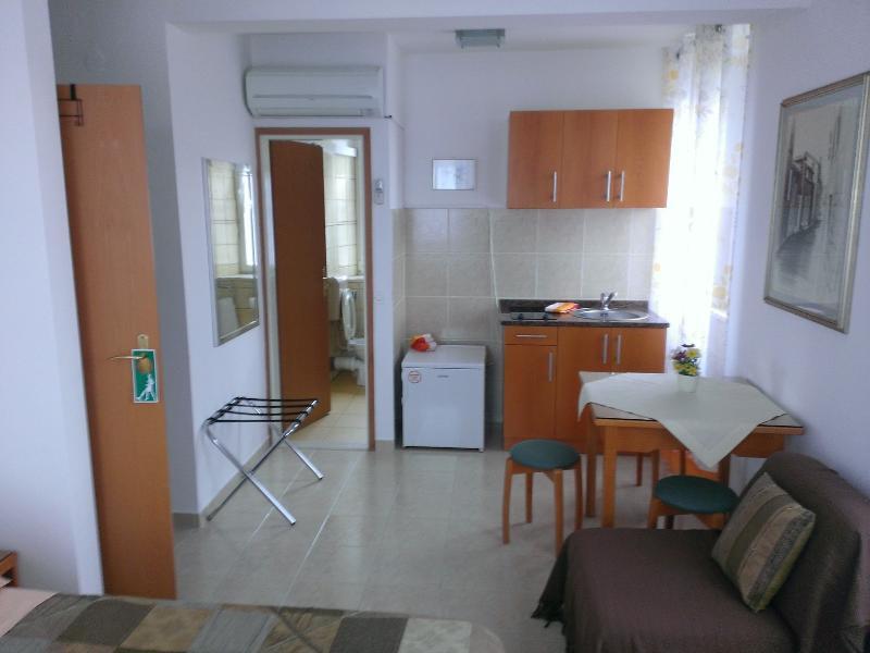 Studio apartment Šime (2+1) - Image 1 - Korcula - rentals