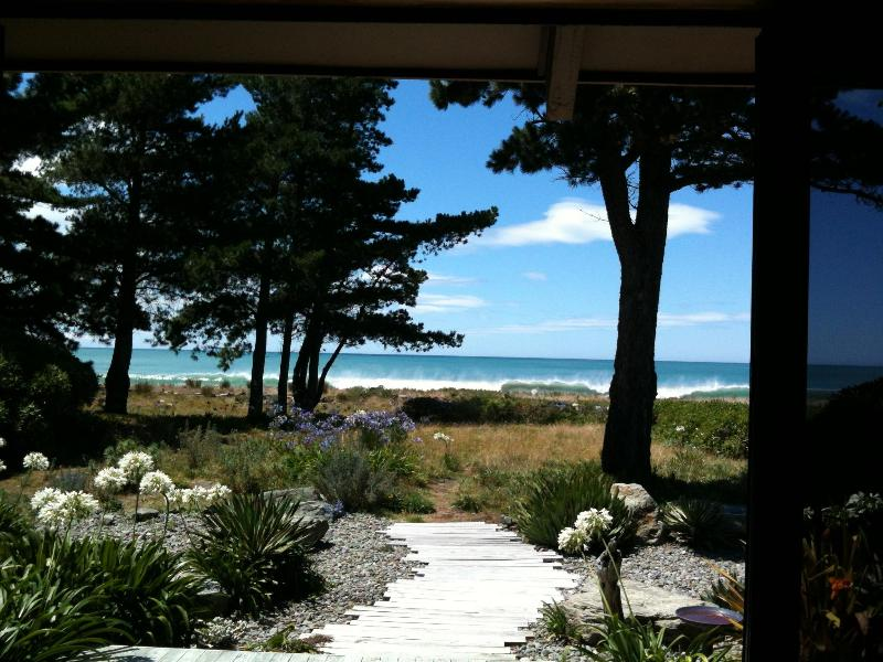 Absolute Beachfront Architectural Beach House - Rarangi Retreat - Spring Creek - rentals