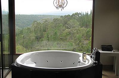 JACUZZI/TUB of Earth Rose - Earth Rose - A Comfy Getaway - Knysna - rentals