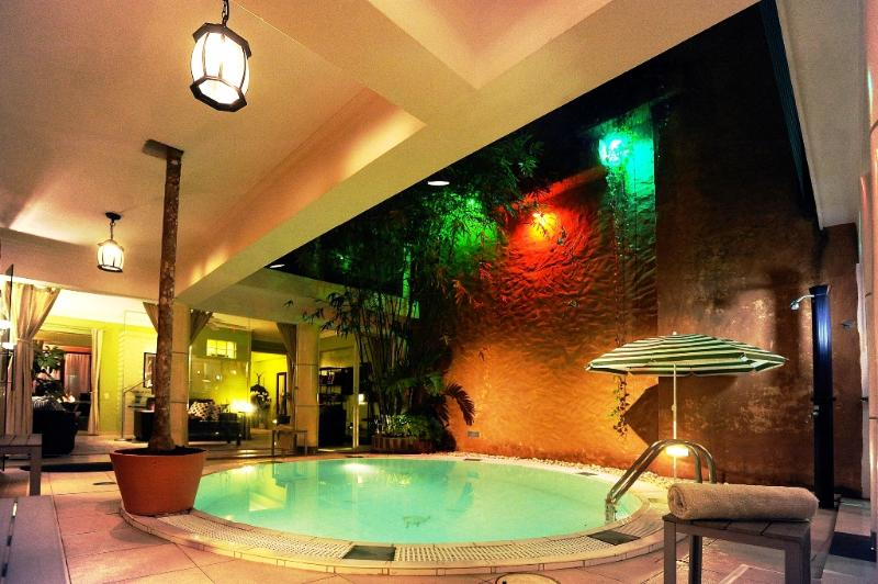 Pool at Night in Patio with Sky Views overlooking Living Room - Ultra Luxury Architect's House Pool & Top Location - Santo Domingo - rentals