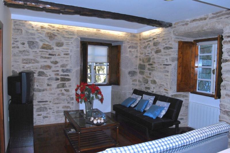 Charming apartment in the old town of Santiago de - Image 1 - Santiago de Compostela - rentals