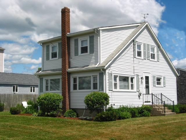 The Cottage - 100 yards to Scarborough Beach - Narragansett - rentals