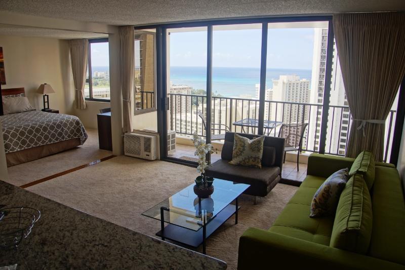 Views throughout every room - Luxury Ocean View condo, Free parking, sleeps 5! - Honolulu - rentals