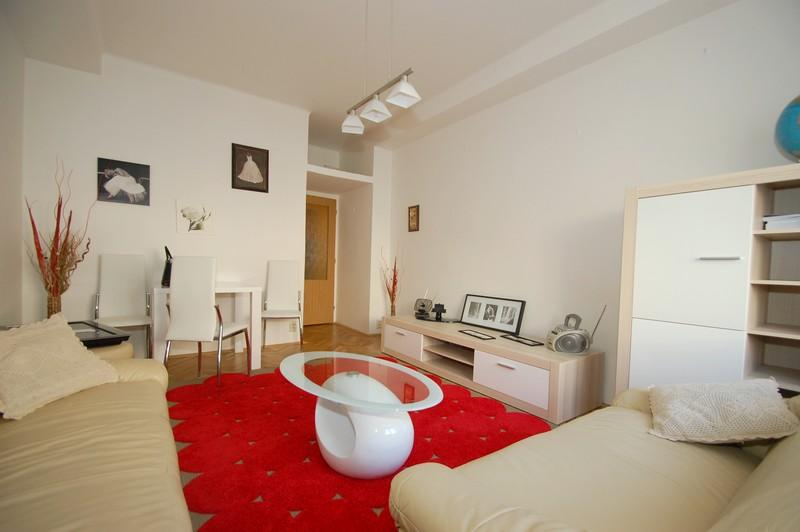 2 room flat 10min walking to Old town center - Image 1 - Prague - rentals