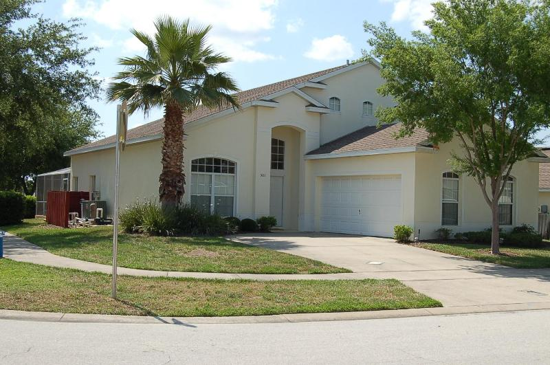 501 5 bed vacation home with spa and large pool - Image 1 - Davenport - rentals