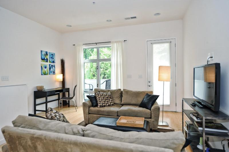 Modern Living Just 1 Mile from Uptown - Image 1 - Charlotte - rentals
