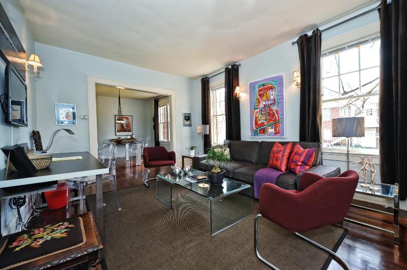 Large 1br/1ba sleeps 4-great walkable neighborhood - Image 1 - Charlotte - rentals