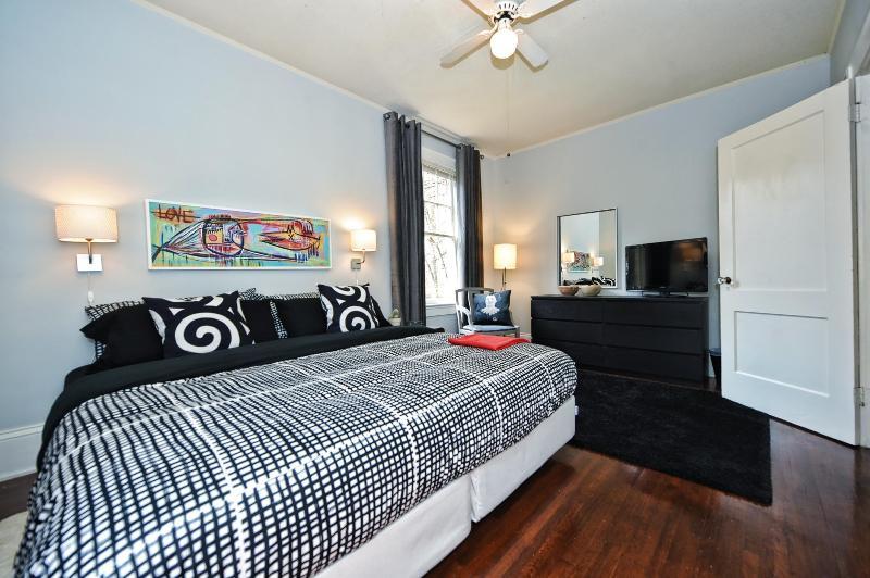 Large 1br in Most Walkable Neighborhood-Elizabeth - Image 1 - Charlotte - rentals