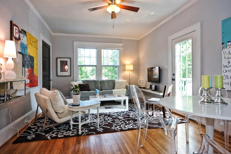 Bright and Quiet 2br Furnished Apartment Charlotte - Image 1 - Charlotte - rentals