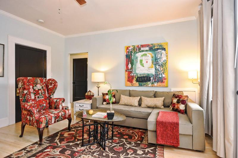 Bright and Quiet End Unit in Historic Dilworth - Image 1 - Charlotte - rentals
