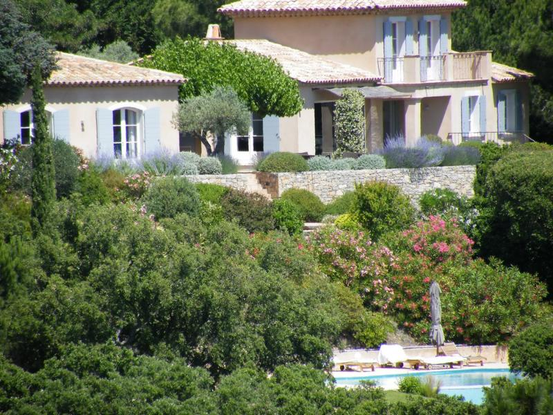 Villa Cavalaire vacation holiday large villa rental france, southern france, riviera, cote dazur, pool, air conditioning, near st. trope - Image 1 - Saint-Tropez - rentals