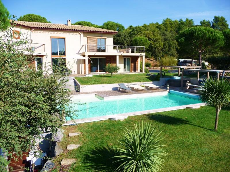 St Tropez 4 Bedroom Villa Gassin with a Hot Tub, Fireplace, and Terrace - Image 1 - Saint-Tropez - rentals