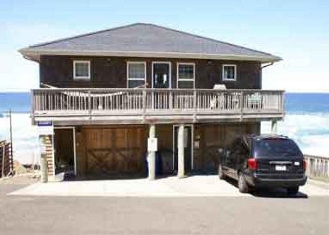 Beachfront with Hot Tub, Wifi and Ping Pong.  What More Could You Need? - Image 1 - Lincoln City - rentals