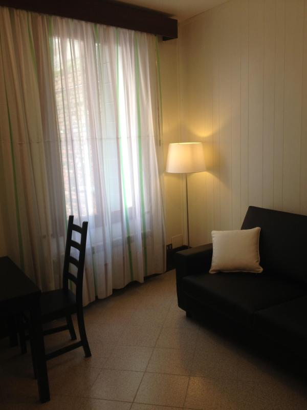 Apartment for 4 with private court - Image 1 - Venice - rentals