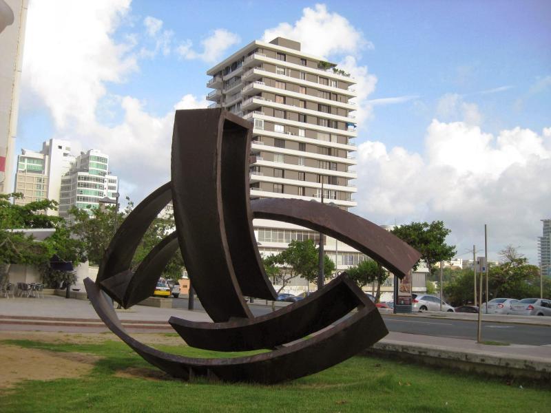 Building - Beautiful Condo in Condado Beach, San Juan - San Juan - rentals