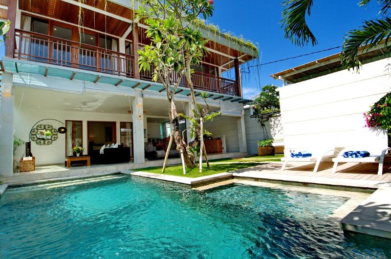 Outside view - Gorgeous Villa in Central Seminyak - Seminyak - rentals