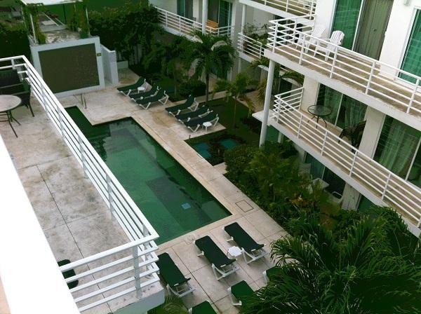 Pelicano condo penthouse private jacuzzi and BBQ - Image 1 - Playa del Carmen - rentals