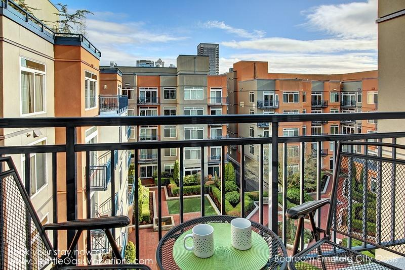 1 Bedroom Emerald City Oasis walk to Pike Place Market! Plan your Fall getaway! - Image 1 - Seattle - rentals