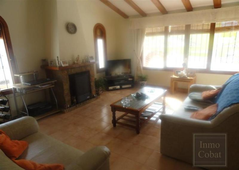 lounge with English t.v and DVD player + CD music centr - Detached viilla with swimming pool close to beach - Calpe - rentals