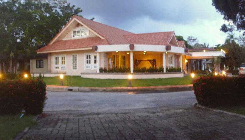Corner House - Executive Seaside Villa near Mae Phim Beach - Ban Laem Mae Phim - rentals