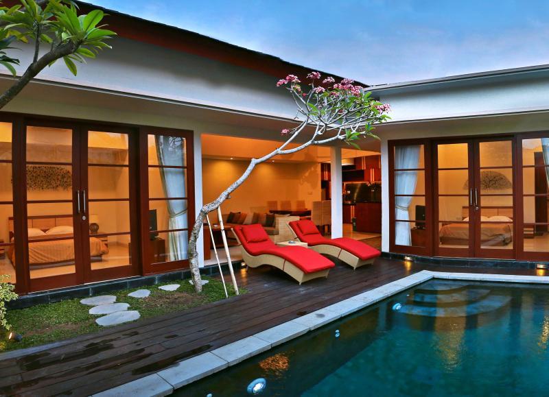 Holiday Benoa Luxury Villa in 100m from the beach - Image 1 - Benoa - rentals