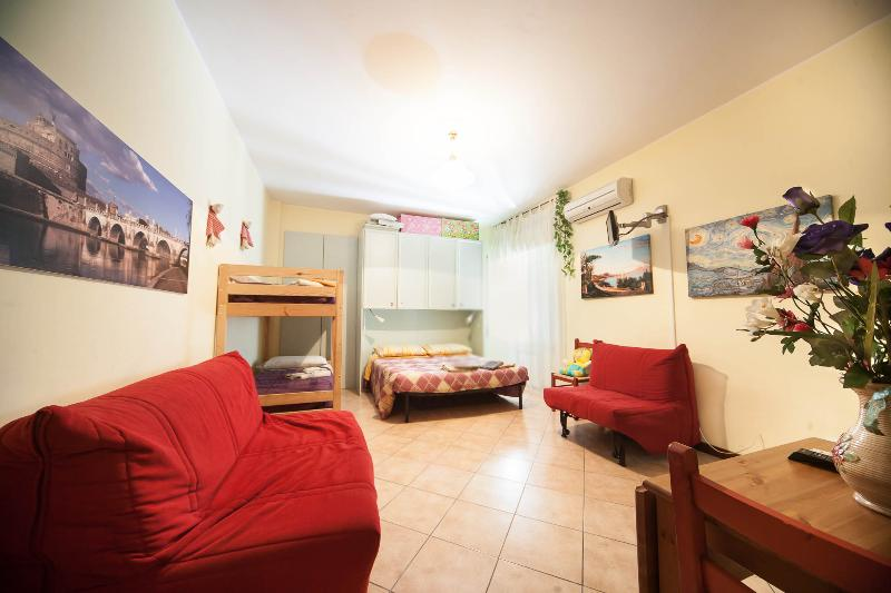 Great apartment 5p VATICAN right on metro. LUXURY! - Image 1 - Rome - rentals