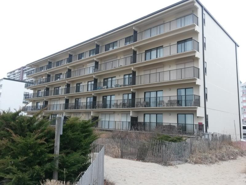 3br. Smack on the beach. - Image 1 - Ocean City - rentals