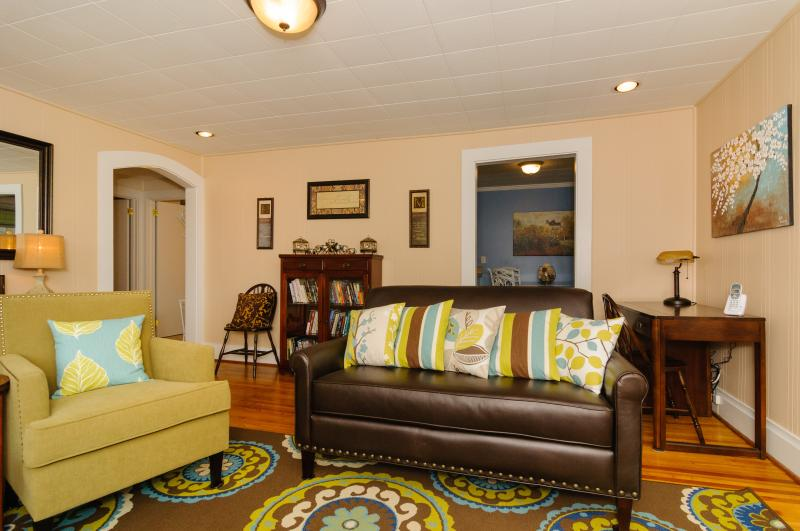 LIVING ROOM - Comfortable seating for five with desk / computer center. - CHARMING COTTAGE w/ UPGRADES - Close to Everything - Swannanoa - rentals