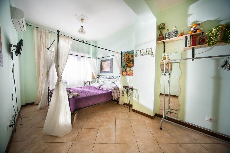 Great apartment Vatican 2p right on metro. LUXURY! - Image 1 - Rome - rentals