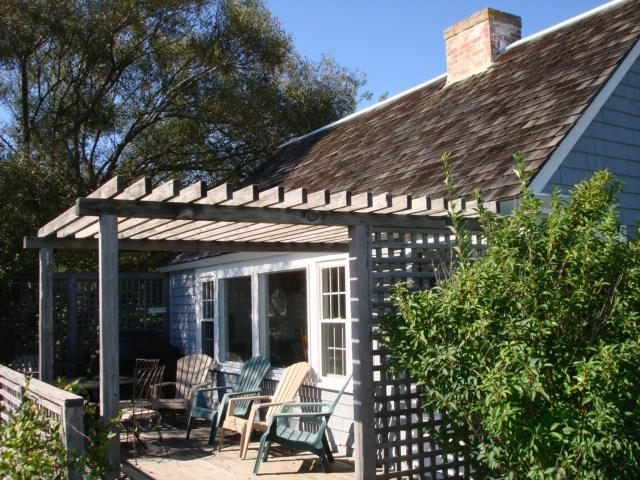Deck facing Harbor , boats, water - Harbor views, Internet,1 block to bay beach & eats - Wellfleet - rentals