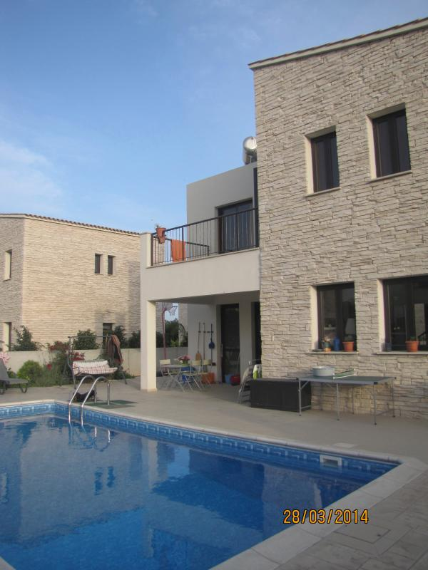 general view of the house - nice independent villa with private pool and garden - Lachi - rentals