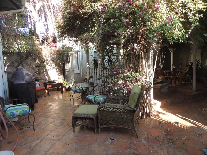 Patio and Barbecue area - Slps/4+Garage/3 minutes to Down town/convent/center - Pacific Beach - rentals