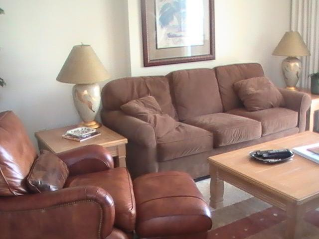 Living Area - Oceanfront 3 Bedroom Rental in Quiet Building Myrt - Myrtle Beach - rentals