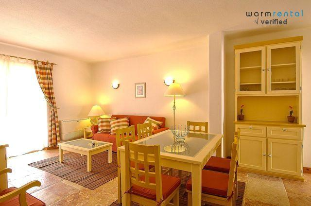 Living & Dining Area  - Giddah Orange Apartment - Olhos de Agua - rentals