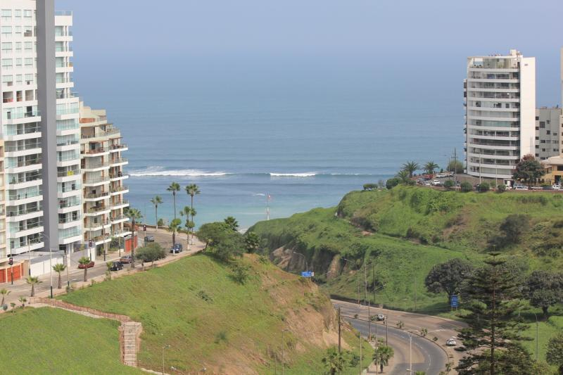 Spectacular Ocean Views without obstructions at walking distance from the beautiful Larcomar mall. - OCEAN VIEW SPECTACULAR ROMANTIC TERRACE/MIRAFLORES - Lima - rentals