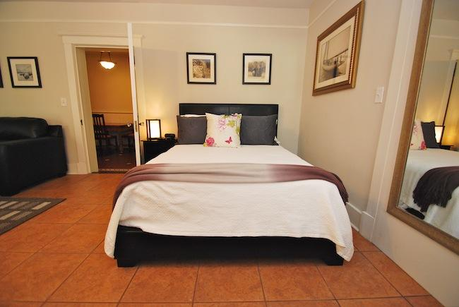 Queen siz bed with luxurious linens - Special Rate Marmaduke Hamilton Suite 1 - Savannah - rentals