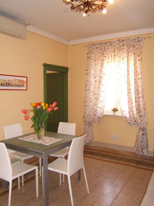 Quaint, Romantic 3 Bedroom at Casa Vacanze da Wally - Image 1 - Monte San Quirico - rentals