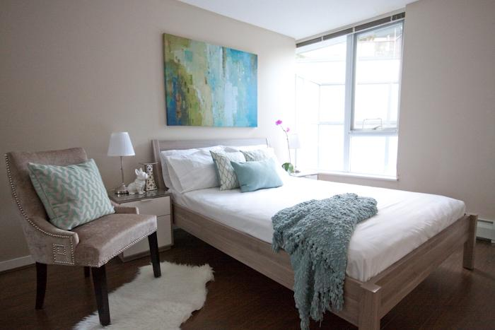 Designer modern bedroom - DT CONVENTION CRUISE CENTER 2BR CONDO, POOL, GYM - Vancouver - rentals
