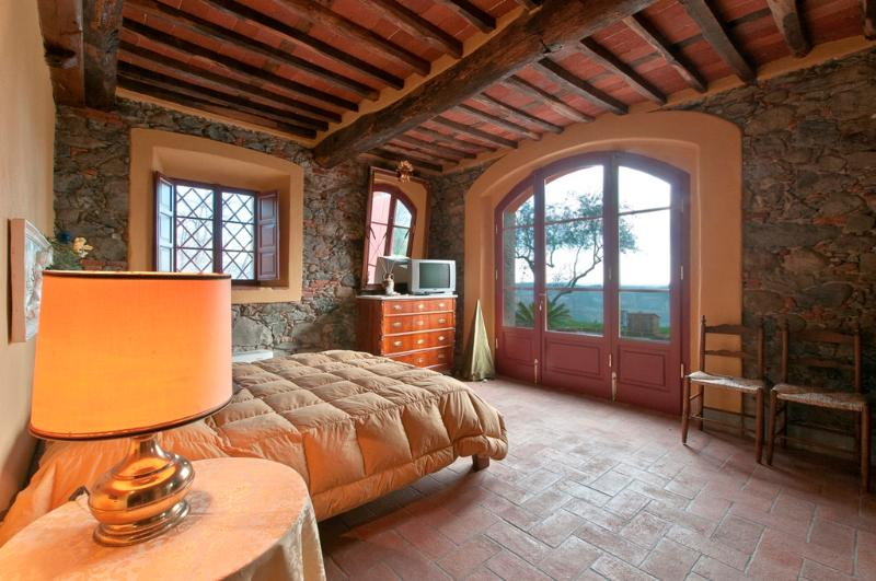DOLCE MIELE up to 6 sleeps in the countryside with - Image 1 - Marlia - rentals