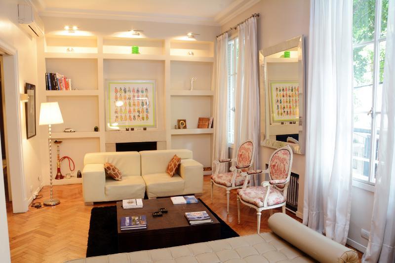 Cheerful 3 Bedroom Apartment in Recoleta - Image 1 - Buenos Aires - rentals