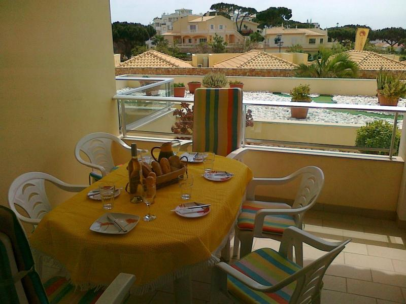 Spacious Sun Drenched Front Balcony - Modern central apartment with all mod cons - Olhos de Agua - rentals