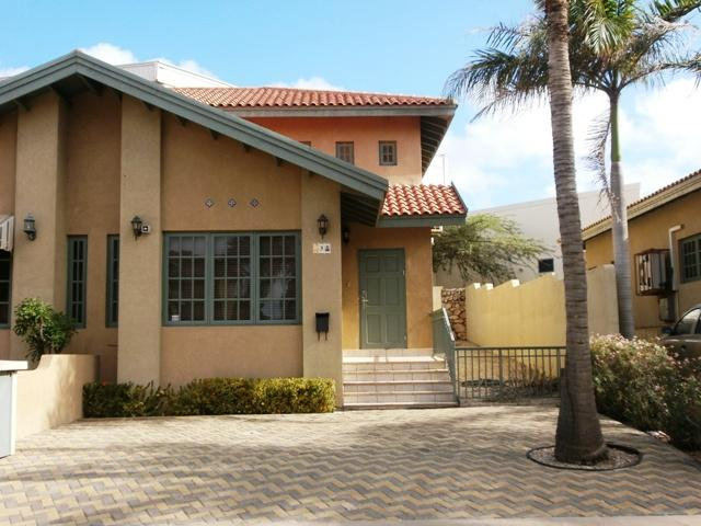 Family-friendly Three-bedroom townhouse in gated community! - Palm Bliss Three-bedroom townhouse - PR003 - Palm Beach - rentals