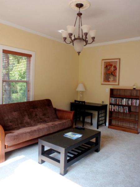 Livingroom - Close to Historic Downtown Hot Springs - Hot Springs - rentals