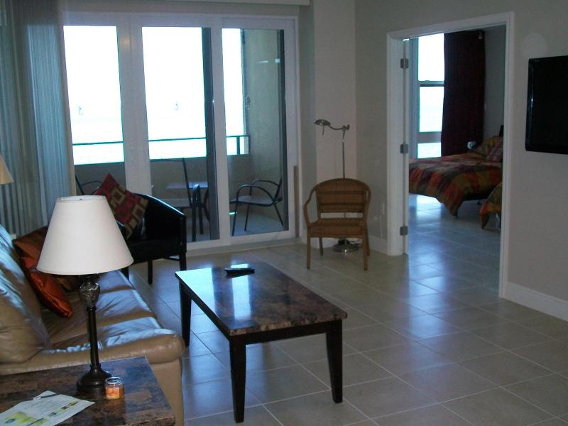 Living room with balcony - entrance bedroom - Ocean Front With Balcony Completely Renovated - Fort Lauderdale - rentals