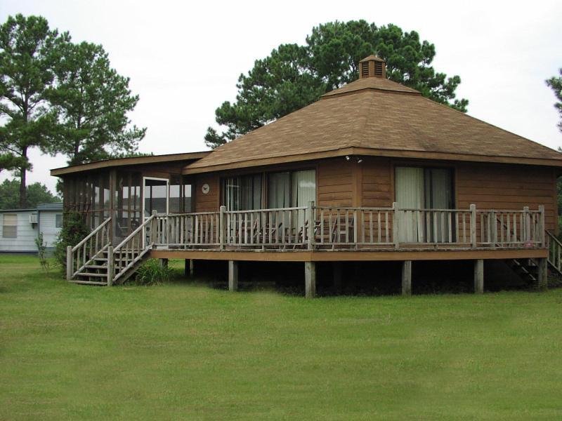 Cute cabin on Potato Creek (Flynn home) - Image 1 - Summerton - rentals