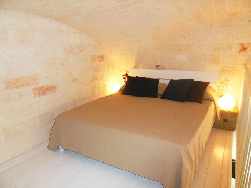 Central Apartment + WiFi2 - Image 1 - Bari - rentals