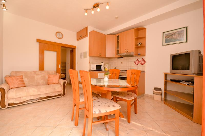 Apartments Boris - 44811-A1 - Image 1 - Podstrana - rentals