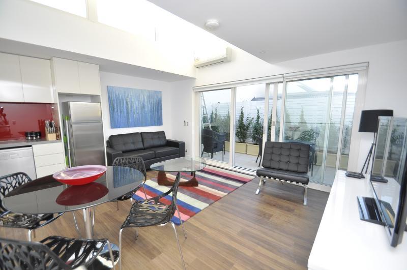 Living area - Leichhardt Brand new - Leichhardt - rentals