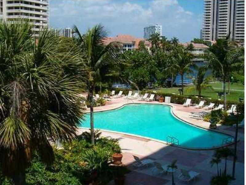 condo swimming pool - BEAUTIFUL APARTMENT STEPS FROM THE BEACH! - Sunny Isles Beach - rentals