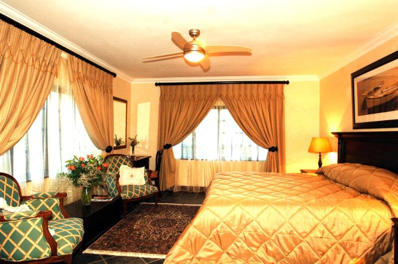Johannesburg Gold Suite at Amber Rose - Amber Rose Country Manor - Chartwell - rentals